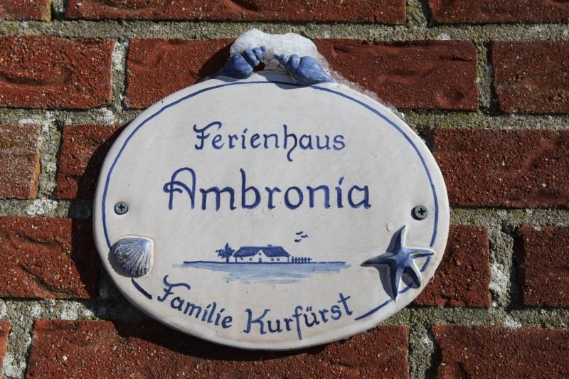ferienhaus-ambronia-schild