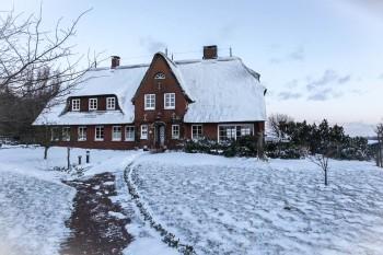 ferienhaus-ambronia-winter-front